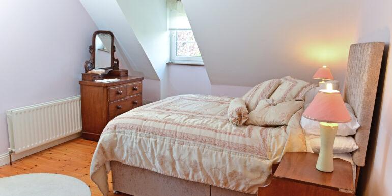 39 First Floor Bedroom 1b 0202
