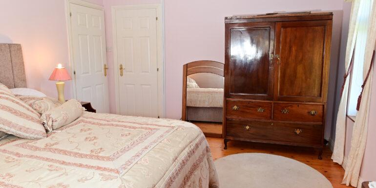 40 F-Floor Bedroom 1a 0203